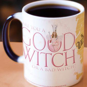 MMUG062-the_wizard_of_oz_good_witch_bad_witch_morphing_mugs_heat_sensitive_mug_back